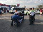 Salen Disparados al Chocar con Camioneta