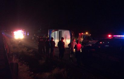 Vuelca Autobús Transpais Sobre la Carretera Mante-Tampico; Hay al Menos 16 Heridos