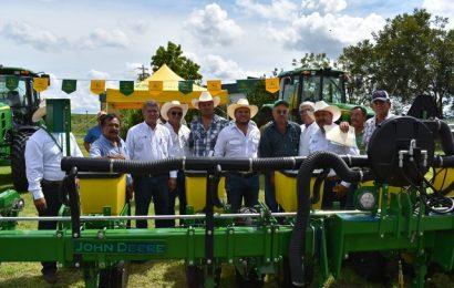 Gobierno de Tamaulipas entrega implementos agrícolas para mejorar los procesos de producción