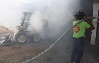 Feroz Incendio en Negocio Materialista de la colonia Vicente Guerrero