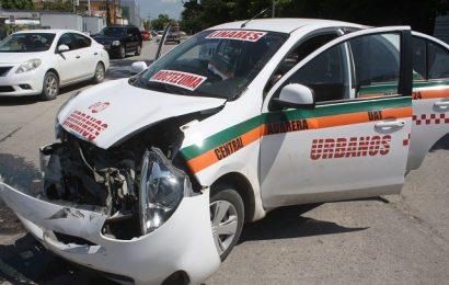 Carro de Ruta y Patrulla Chocan Dejando Dos Lesionados