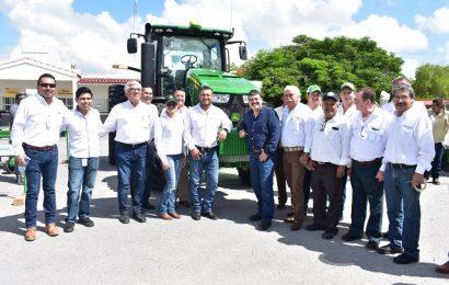 Gobierno del Estado Fortalece a Productores Agrícolas con Maquinaria de Alta Precisión
