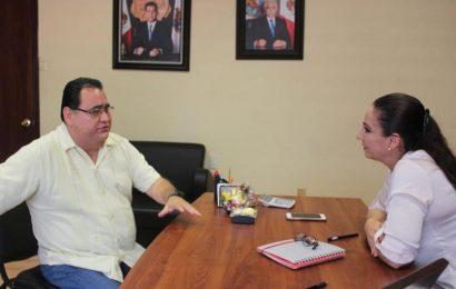Alcaldesa Suma Esfuerzos con Diputado Local para Apoyar a Mujeres de Xicotequenses con Consultas Médicas Gratis