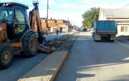 Retiran Camellón Central de la Calle Juárez y Reubicarán Luminarias
