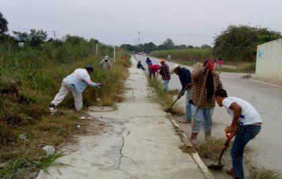 Ayuntamiento de Xicoténcatl Realiza Limpieza en Acceso a la Colonia Presidencial