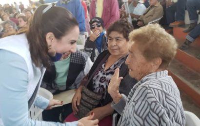 Encabeza Noemy González Entrega de Apoyos a Personas de la Tercera Edad