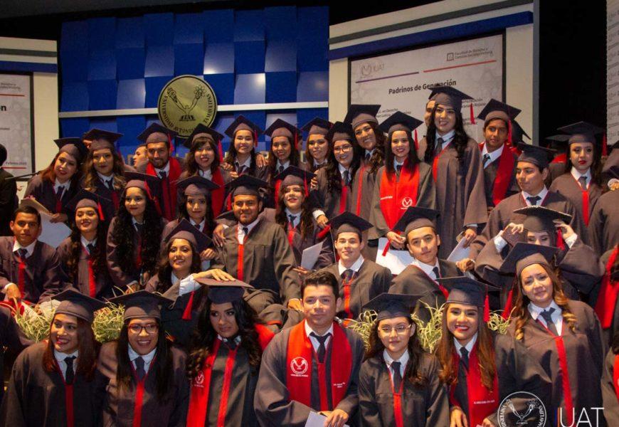 Entrega UAT nuevos graduados de la Facultad de Derecho-Victoria