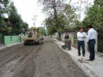 Dan mantenimiento a calles de la Fomento