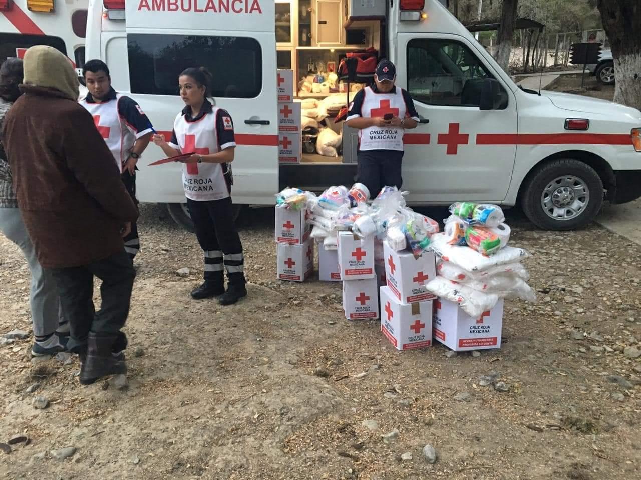 Lleva Apoyos en Especie Cruz Roja a afectados por Incendio en El Nacimiento