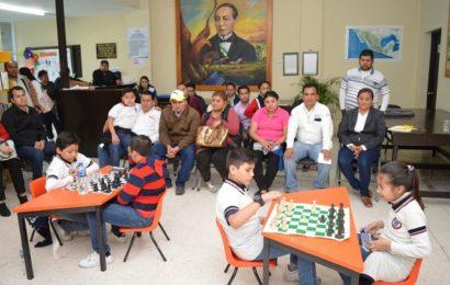 En la Biblioteca Municipal Celebran Torneo Individual Mixto de Ajedrez