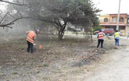 Acondicionan áreas verdes en el municipio