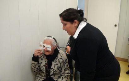 Realiza DIF 5ª campaña oftalmológica