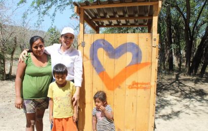 Dota Municipio de Letrinas a Hogares de la Zona Rural