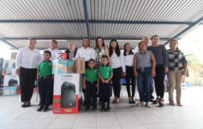 Asiste Noemy González como Invitada de Honor a Entrega de Equipamiento Educativo