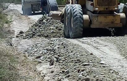 Siguen los trabajos de mantenimiento en caminos vecinales