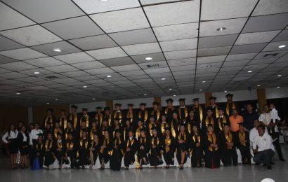 Se Gradúan 50 Jóvenes de la Prepa México