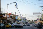 Remplazan añeja luminaria por Luz led en la calle Morelos
