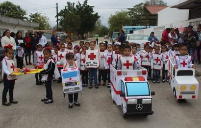 Con caminata conmemora DIF González Aniversario de la Cruz Roja