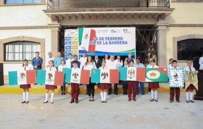 Alcaldesa Encabeza Conmemoración por el Día de la Bandera