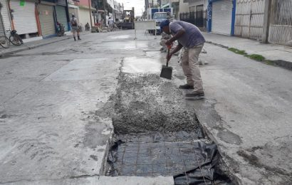 Reponen pavimento a calle Pedro J. Méndez