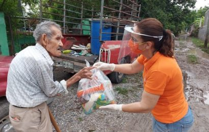 Sin cesar apoyo a familias vulnerables en Xicoténcatl