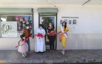 Alcaldesa Corta Listón a Nuevo Comercio en Xicoténcatl