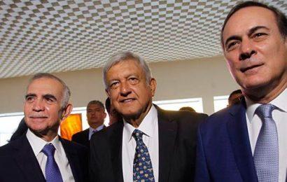 López Obrador Dialoga con Colaboradores en Materia Económica
