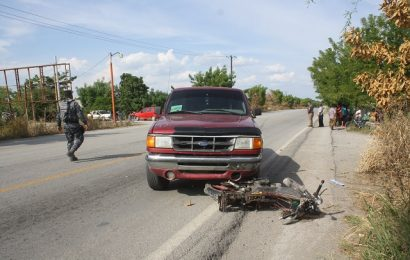 Muere el Profe Rosendo; Al ir en Moto Fue embestido y Arrastrado Varios Metros por una Camioneta