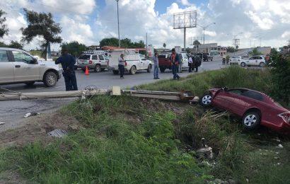 """Gallero"" Choca y Cae a Canal en Matamoros"