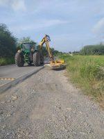 Realizan Limpieza a Bordes de Carreteras