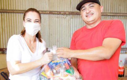Gobierno de Xicoténcatl Entrega Apoyo Alimenticio y Cubre bocas a la población