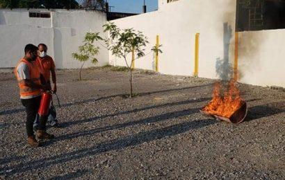 Capacitan a Personal de Súper Tienda Monterrey en Acciones Contraincendio