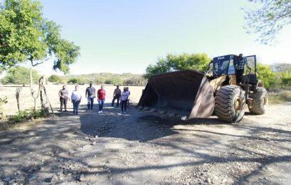 Inician Rehabilitación a caminos del vecinales en Xicoténcatl